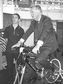 Steven Norris MP, Cycle 2002