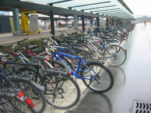 Adequate bike parking (Romanshorn)